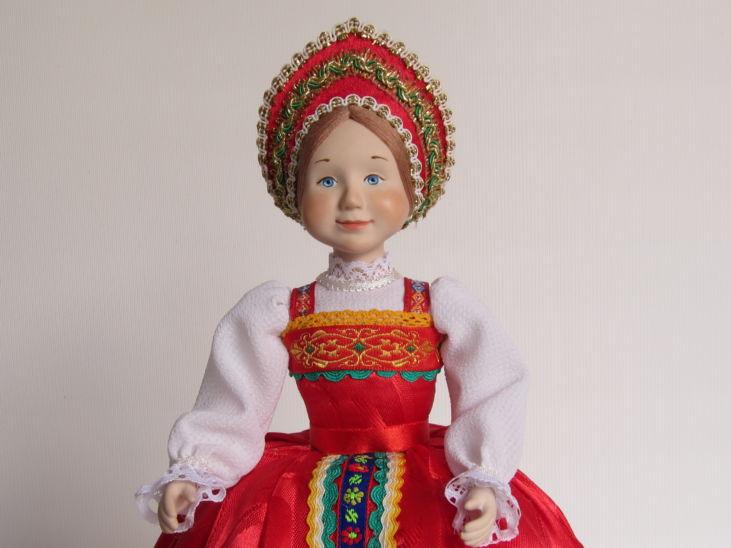 кукла-грелка на чайник Варенька